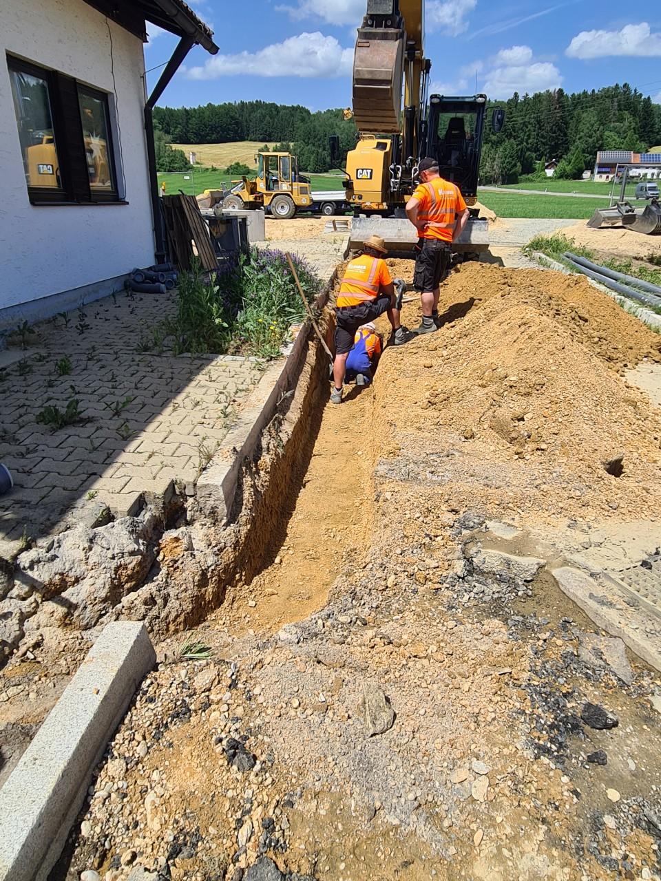 21.06.2021 Der Bau der provisorischen Pumpleitung hat begonnen..jpg