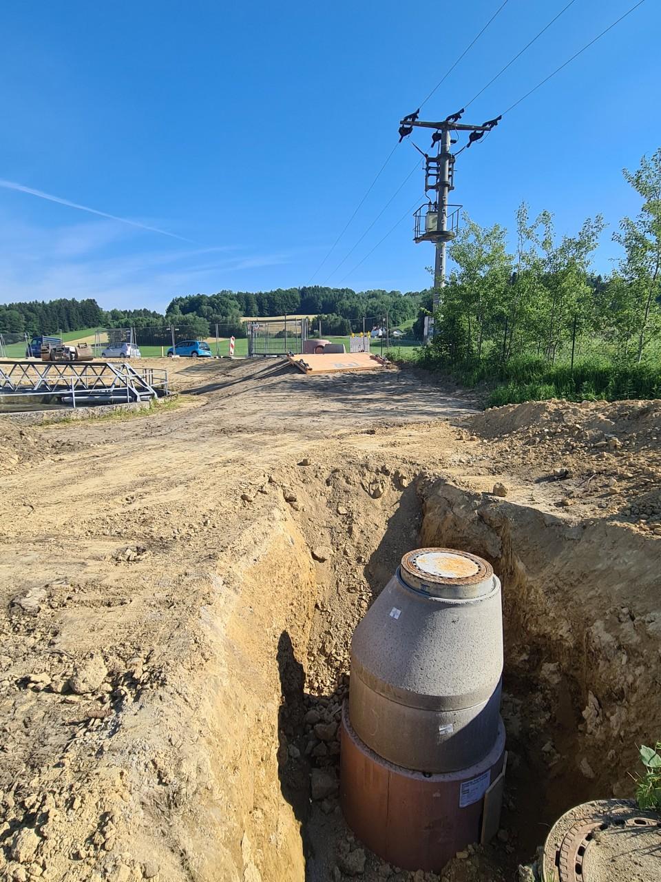 17.06.2021 Gelände Rückbau über dem Überlaufkanal.jpg