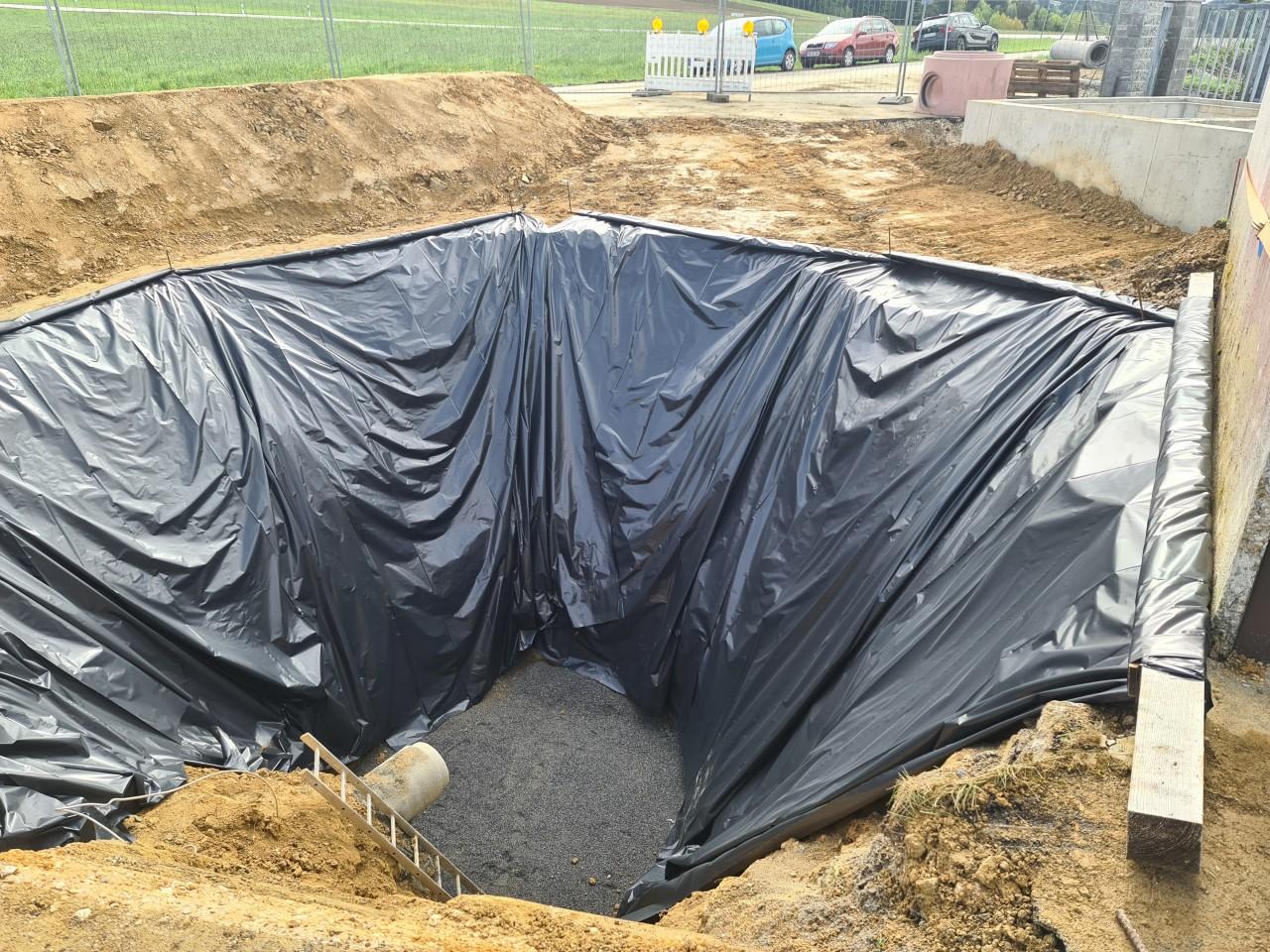 21.05.2021 Gesicherte Baugrube des Pumpenschachtes.jpg